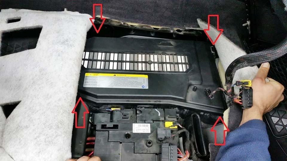 КАК снять Аккумулятор Audi Q7